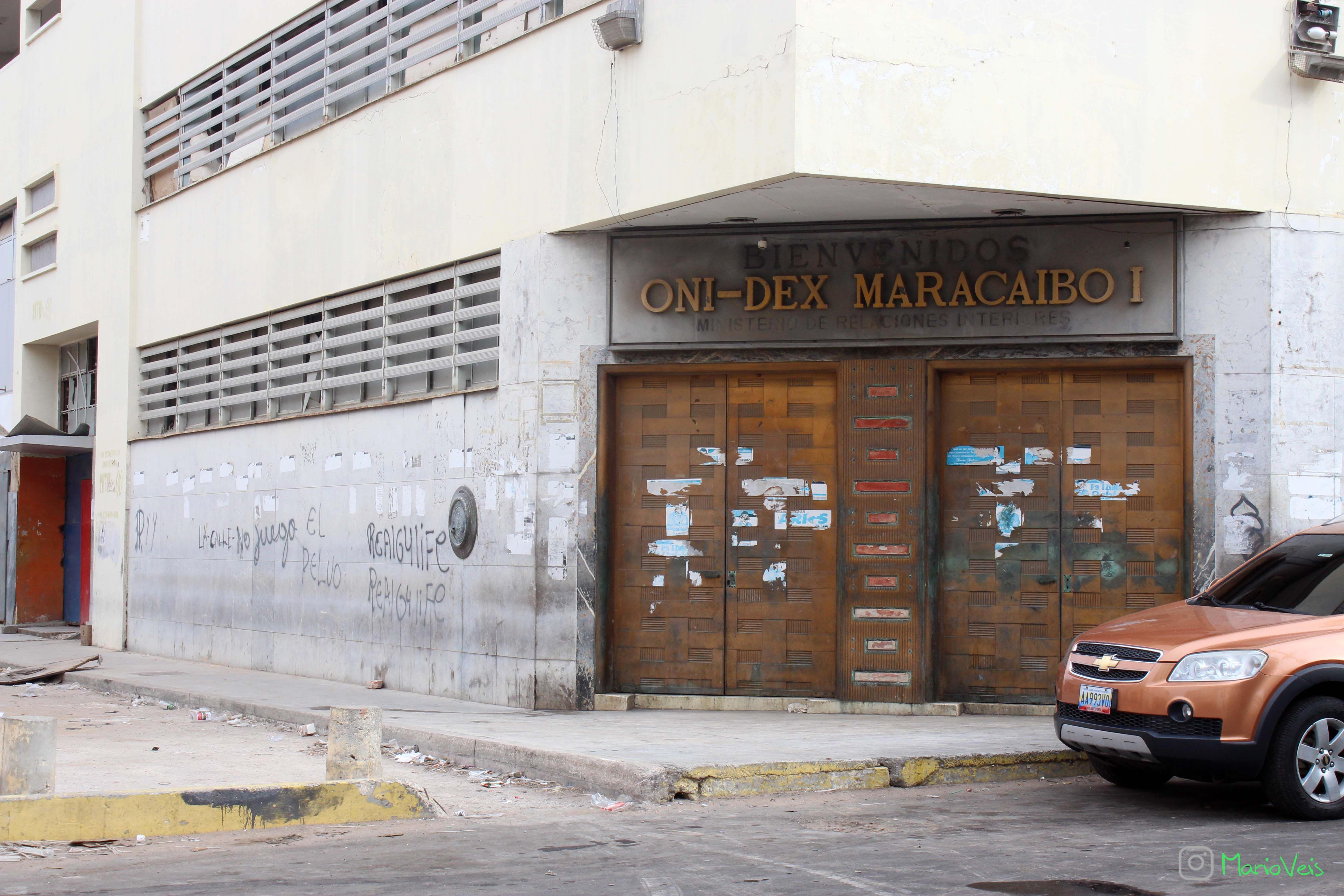 Puertas de la antigua casa matriz del Banco de Maracaibo.