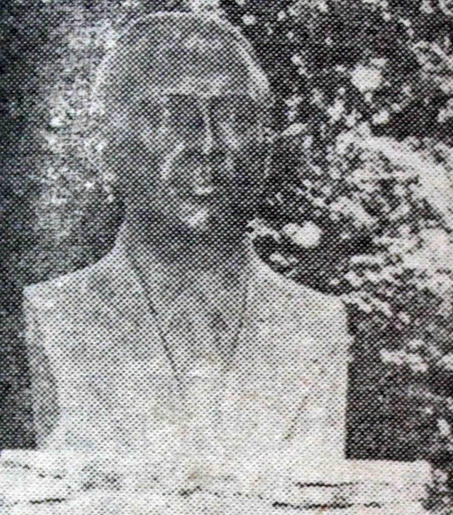 Busto de Juan Antonio Gonzalo Salas. Foto Alex / Magazine La Opinión, p. 7. Mérida, 9 de octubre de 1966. Dig. Samuel L. Hurtado Camargo.
