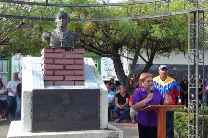 Busto de Rafael Urdaneta en Santa Bárbara de Zulia. Foto Ewdin Urdaneta.
