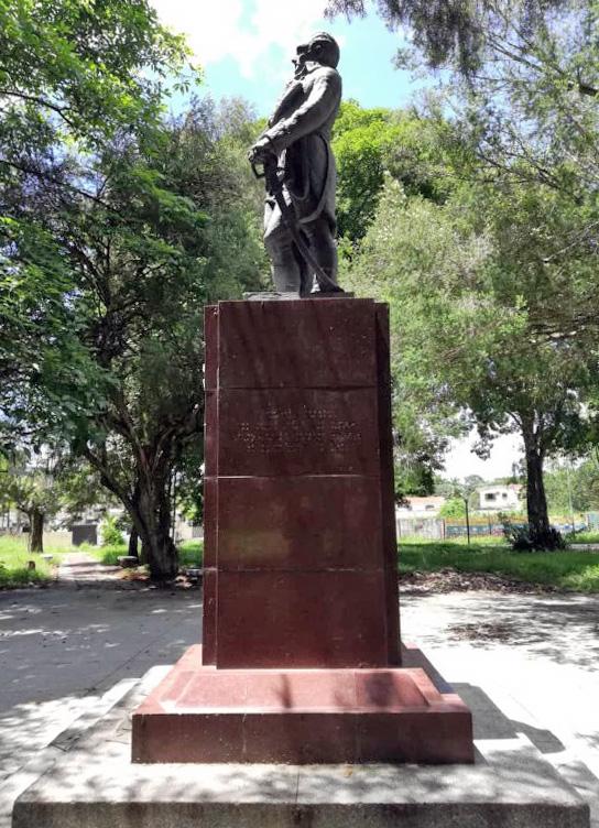 Escultura Generalísimo don Francisco de Miranda en el parque Guaparo, Valencia - Carabobo. Foto Lizett Álvarez, julio 2018.