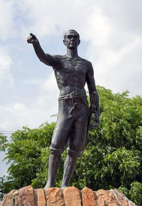 Estatua de José Leonardo Chirino, en Coro - Falcón. Foto de Charles Johnson (Flickr).