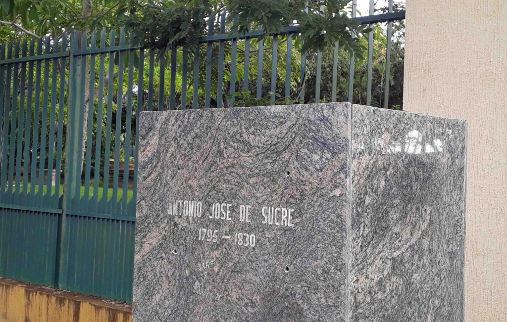 En la base de Antonio José de Sucre no hay ni siquiera las cabillas que sostenían al elemento. Maturín, Monagas. Foto Jesymar Añez, noviembre 12 de 2018.