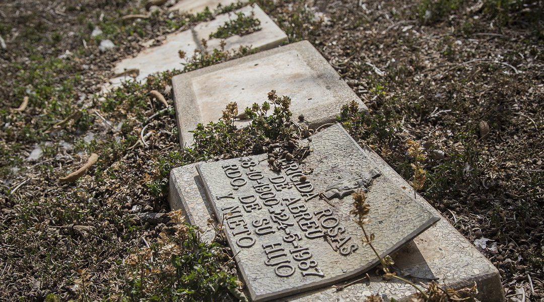 """En el Cementerio del Este el robo de bronce """"es una práctica diaria"""""""