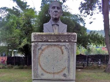 Busto de Julio Sardi